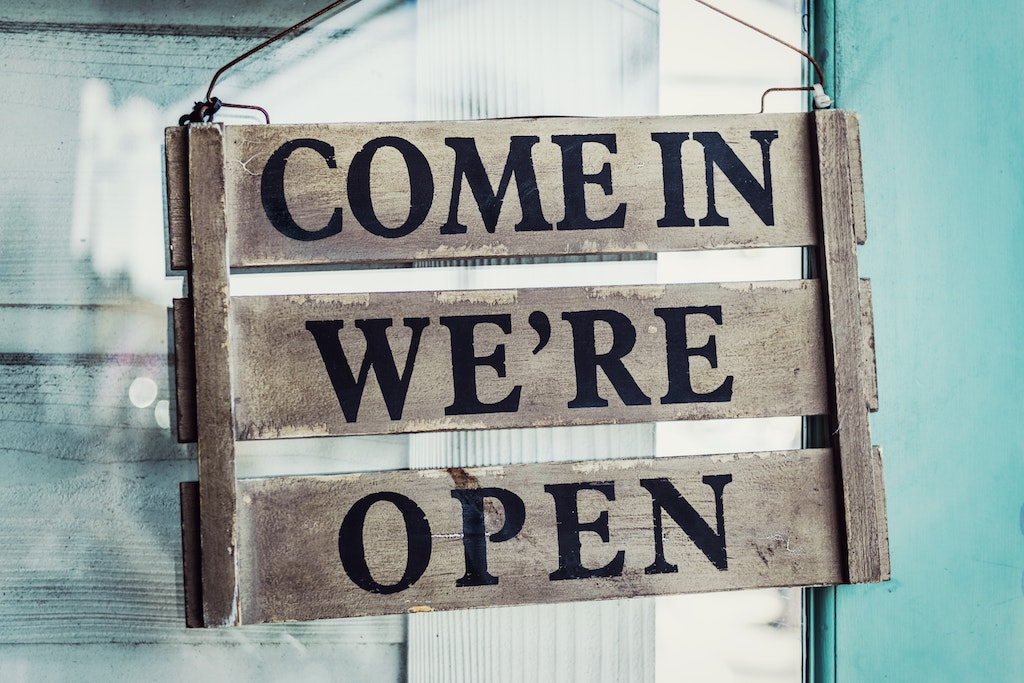 Come in, we're open. Ceremony for new business
